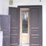 Storm doors protect inner doors